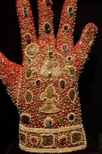 holy_roman_gloves